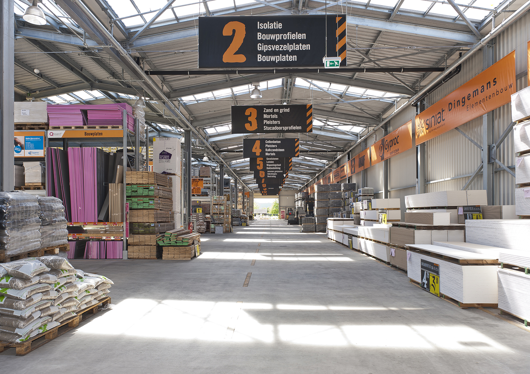 Hornbach Tilburg nu met drive-in - Hornbach Newsroom