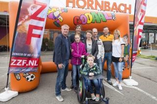 ZAANDAM - Start voetbal-event bij Hornbach tbv de ZZF.