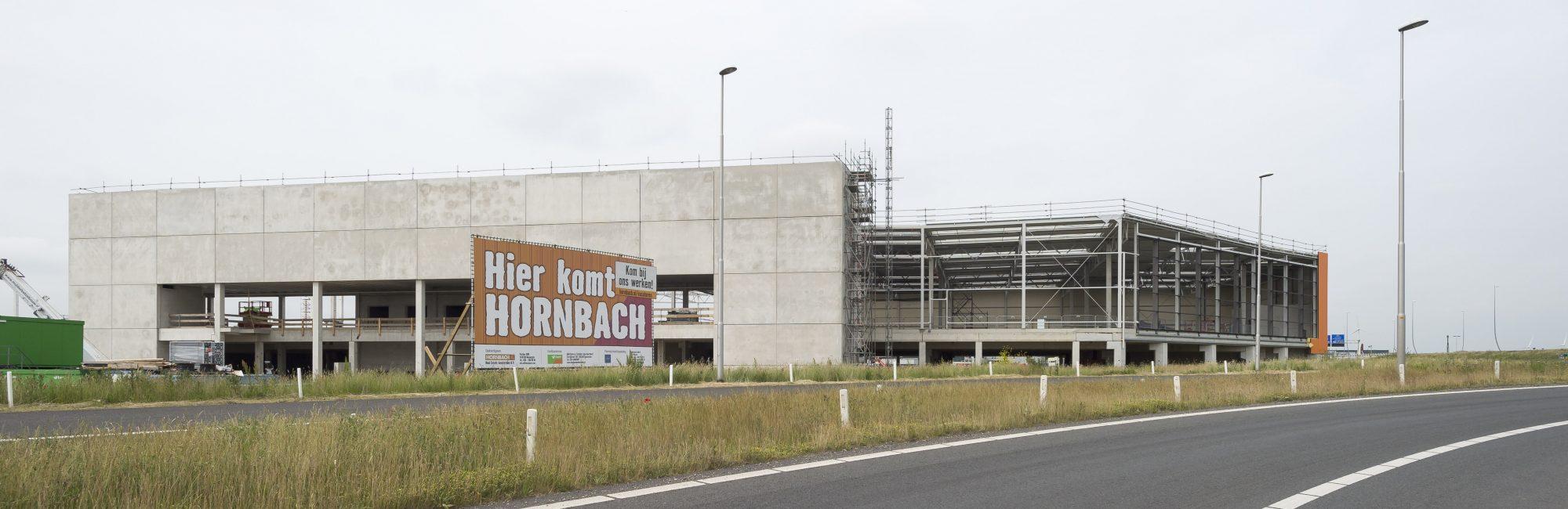 AMSTERDAM - Bouw van de Hornbach vestiging in Amsterdam