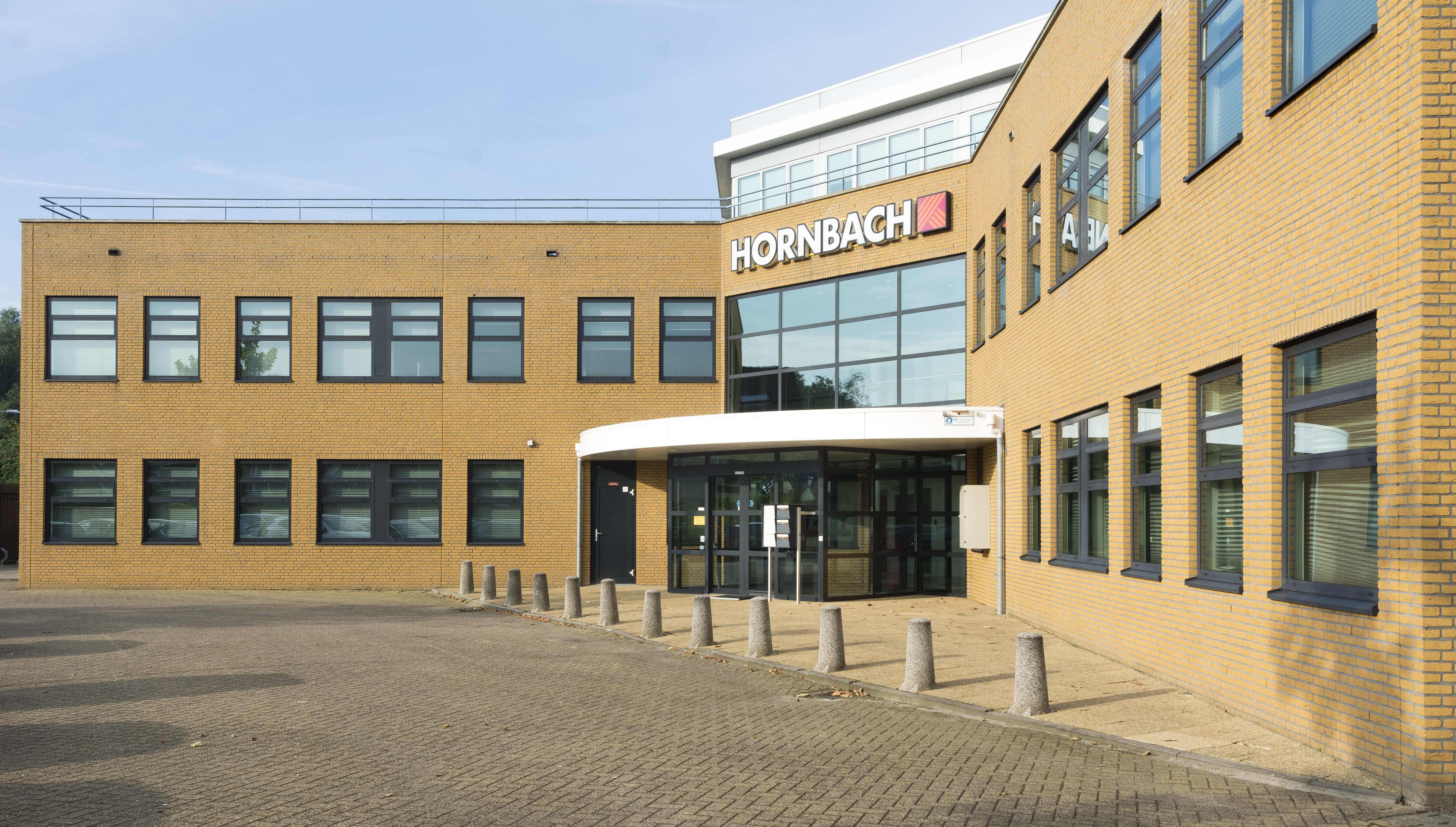 Hornbach vindt nieuwe marketingmanager hornbach newsroom for Houten tuindeuren hornbach