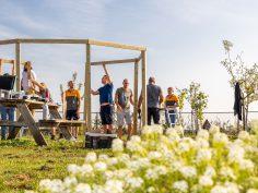 Buurttuin Hof van Breecamp nu deels overdekt
