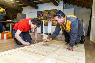 HONSELERSDIJK - Hornbach Helpt de Nederhof in Honselersdijk